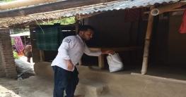 করোনায় মানুষের বাড়ি বাড়ি ঈদের উপহার নিয়ে যশোর জেলা ছাত্রলীগ