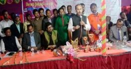 রায়গঞ্জে ক্রিকেট টুর্ণামেন্টের খেলার উদ্ভোধন করেন এমপি আ: আজিজ