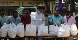 সিরাজগঞ্জে বাস শ্রমিকদের পাশে যুবলীগ নেতা