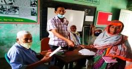 উল্লাপাড়ায় আনসার ভিডিপি সদস্যদের মাঝে নগদ অর্থ সহায়তা
