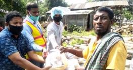 উল্লাপাড়ায় ব্যক্তিগত উদ্যোগে ২শতাধিক পরিবারের মাঝে ত্রাণ সহায়তা