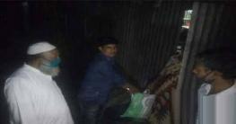 বেলকুচিতে হতদরিদ্রদের মাঝে ত্রান দিলেন ভাইস চেয়ারম্যান