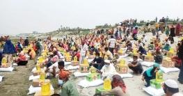 সিরাজগঞ্জে দুস্থ্যদের মাঝে রমজান উপলক্ষে খাদ্য সামগ্রী বিতরণ
