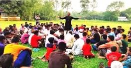 উল্লাপাড়ায় সরকারি চাকুরী ছেড়ে দলীয় মনোনয়ন প্রার্থী আবু হানিফ